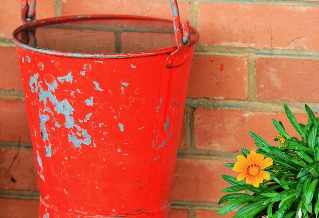 bucket-315981_640