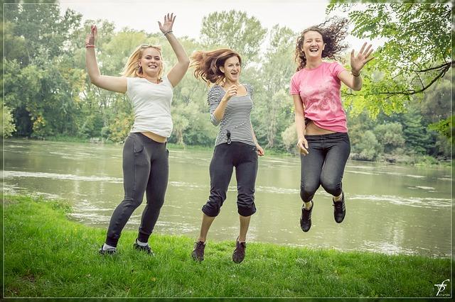 jumping-444611_640