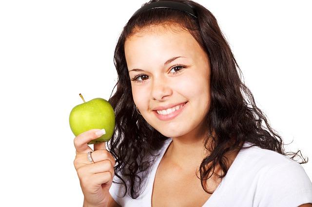 apple-18302_640