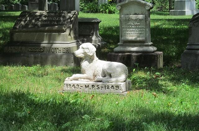graveyard-438548_640