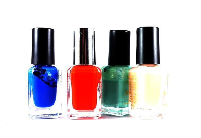 nail-polish-498665_640