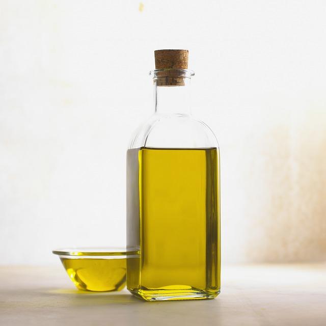 olive-oil-356102_640