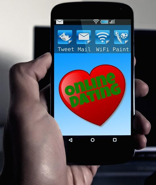 online-dating-570216_640