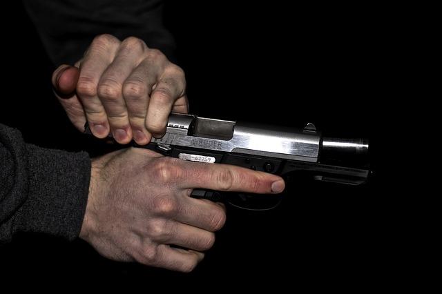 gun-171309_640