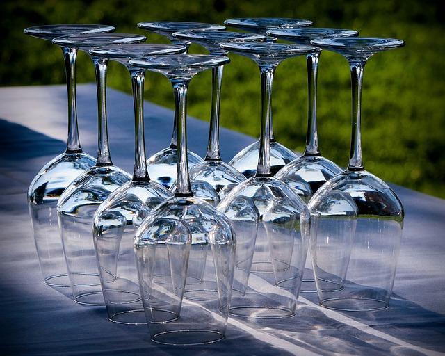 wine-glasses-176991_640