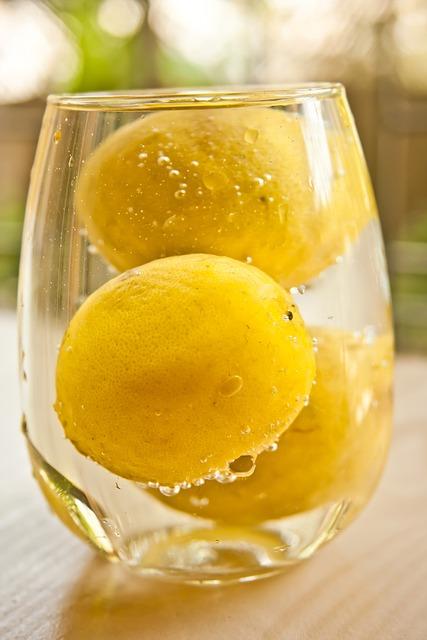 lemons-167056_640