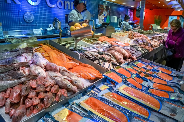 fish-market-800015_640
