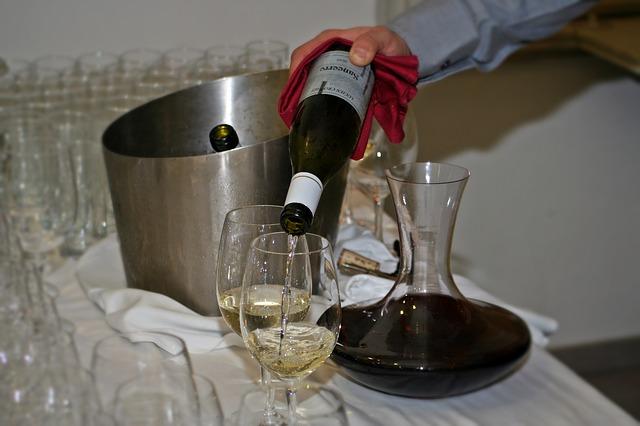 wine-786927_640