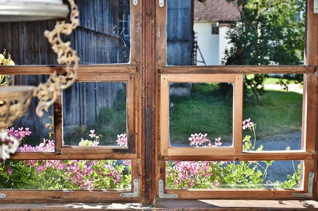window-1594287_640