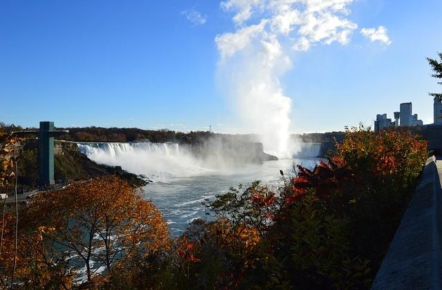 niagara-falls-205380_640