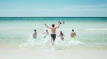beach-1836467_640