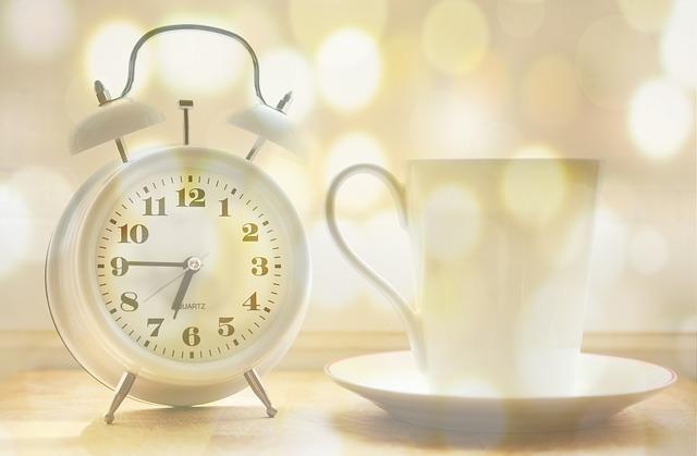 alarm-clock-2132264_640