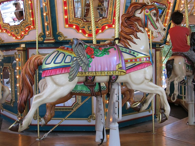 wooden-horse-1566765_640