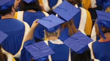 graduation-1477769_640
