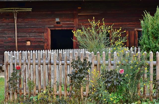cottage-garden-2914830_640
