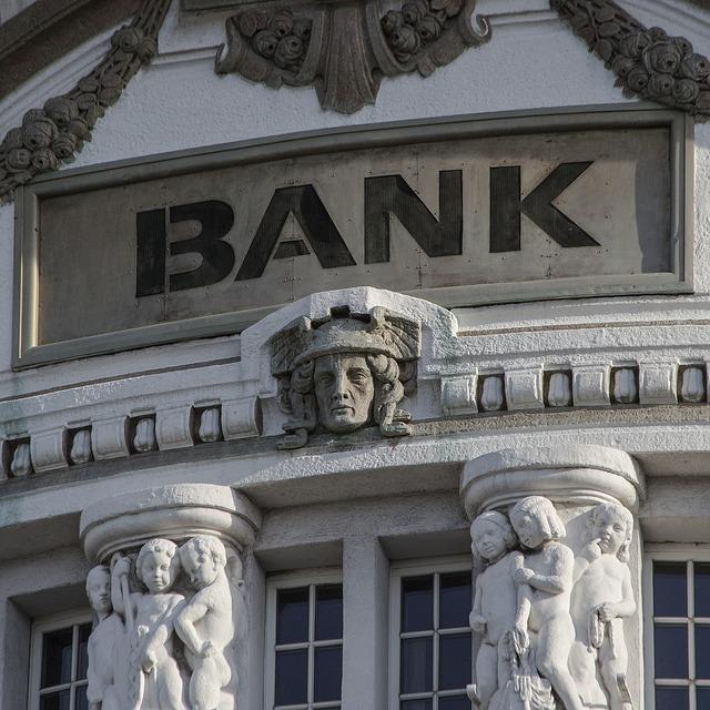 bank-2907728_640
