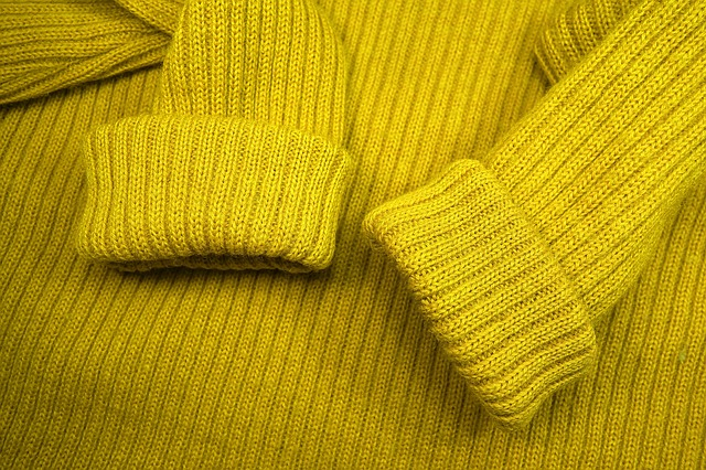 sweater-3124635_640