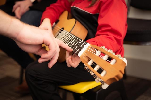 guitar-3957586_640