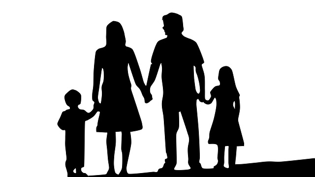family-1671088_640