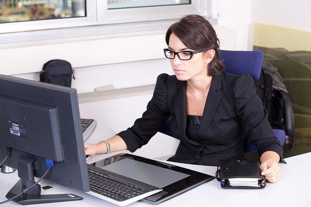 secretary-2199013_640