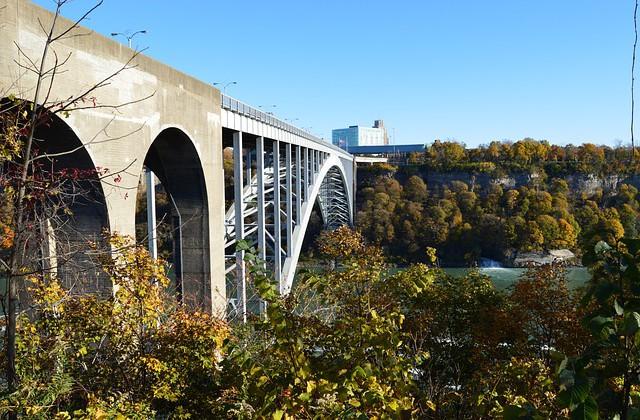 bridge-205340_640